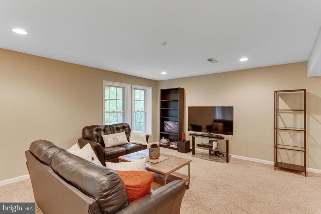Perfect for Watching a Movie or Playing Games - 2625 AMANDA CT, VIENNA