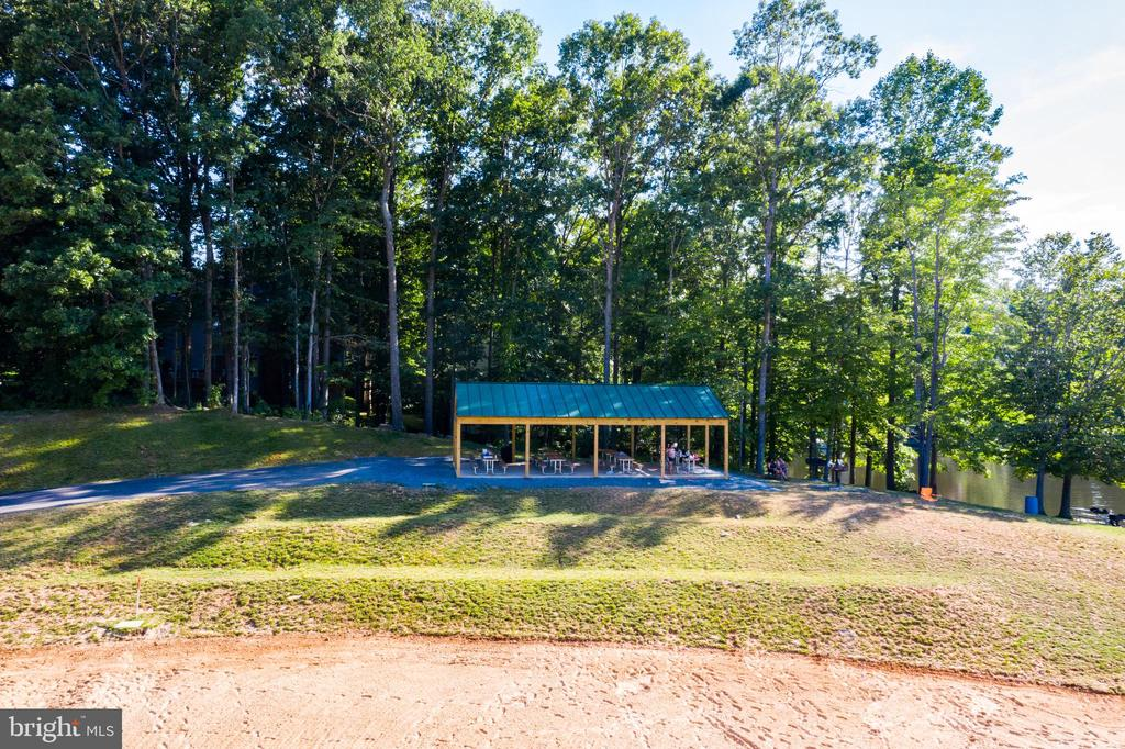 Dolphin Beach Picnic Area - 15691 PIKE TRL, DUMFRIES