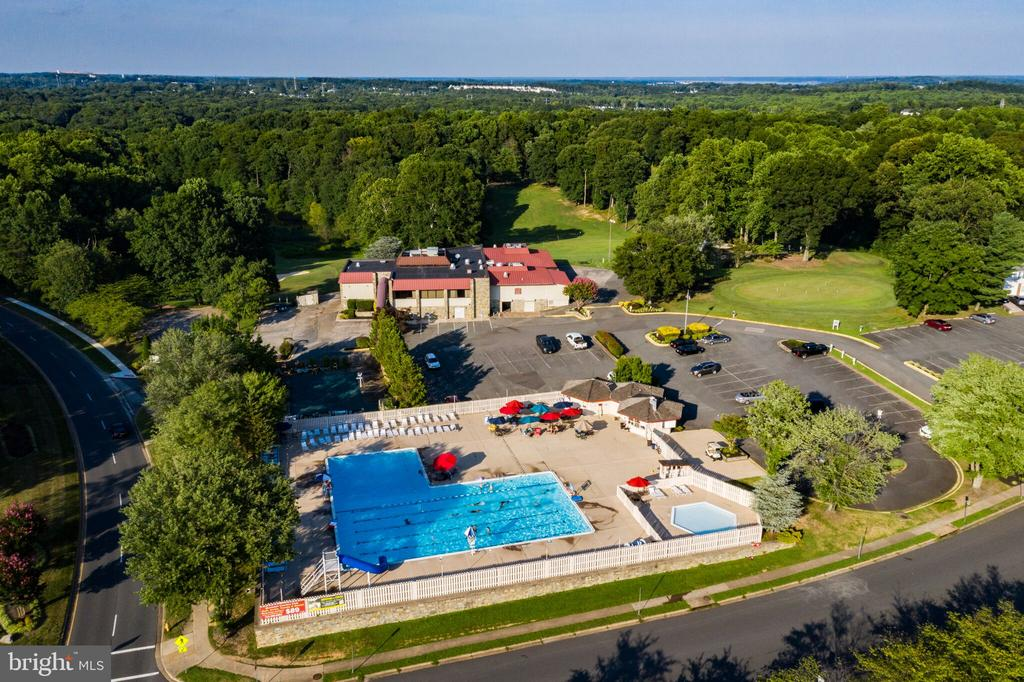 Montclair Country Club - Golf, Pool, Tennis - 15691 PIKE TRL, DUMFRIES