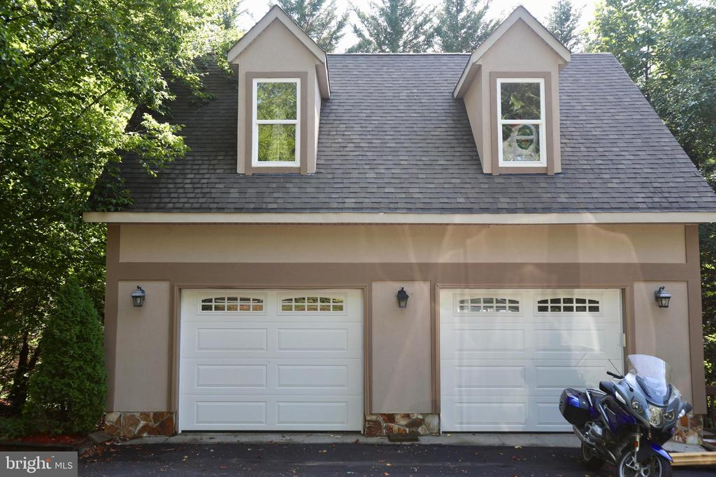 DETACHED GARAGE W/BONUS ROOM - 5407 WYNDEMERE CIR, MINERAL