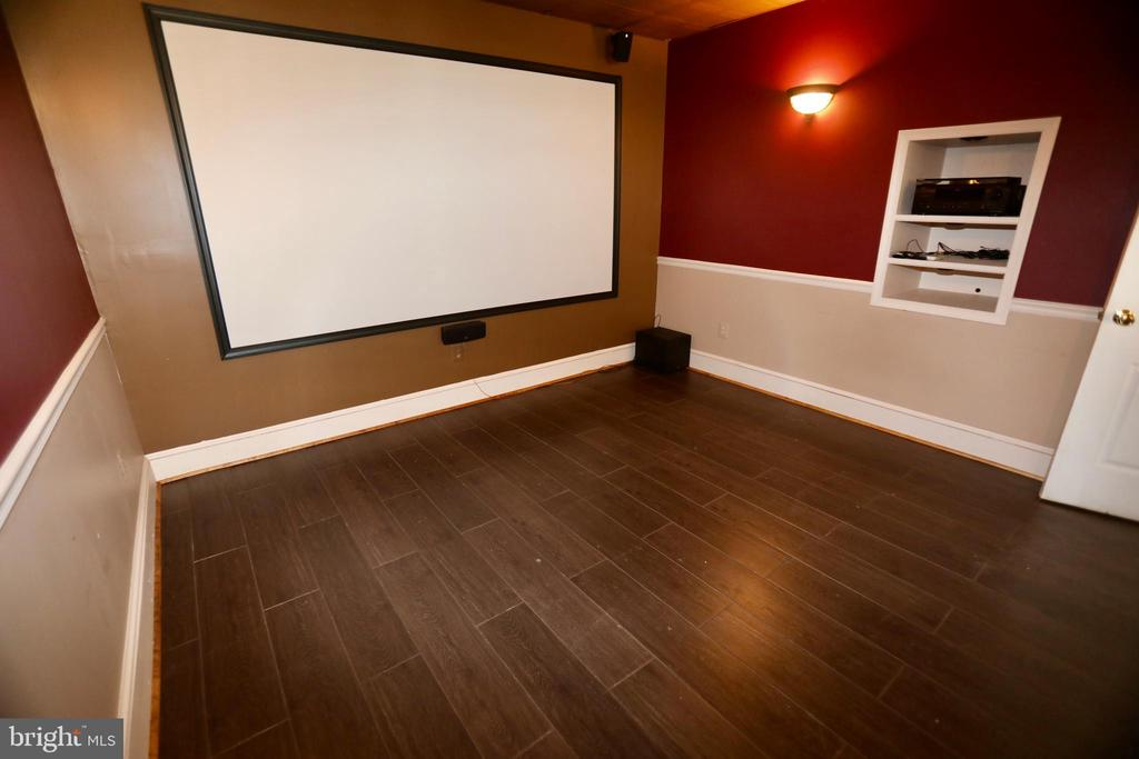 MEDIA ROOM LL - 5407 WYNDEMERE CIR, MINERAL