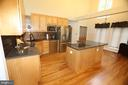 KITCHEN W/WOOD FLOORS & COOKTOP - 5407 WYNDEMERE CIR, MINERAL