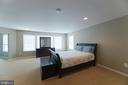 Spacious master suite with sitting room - 23068 PECOS LN, BRAMBLETON