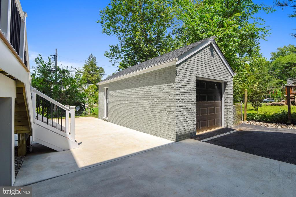 Garage and Patio - 2902 LINDEN LN, FALLS CHURCH
