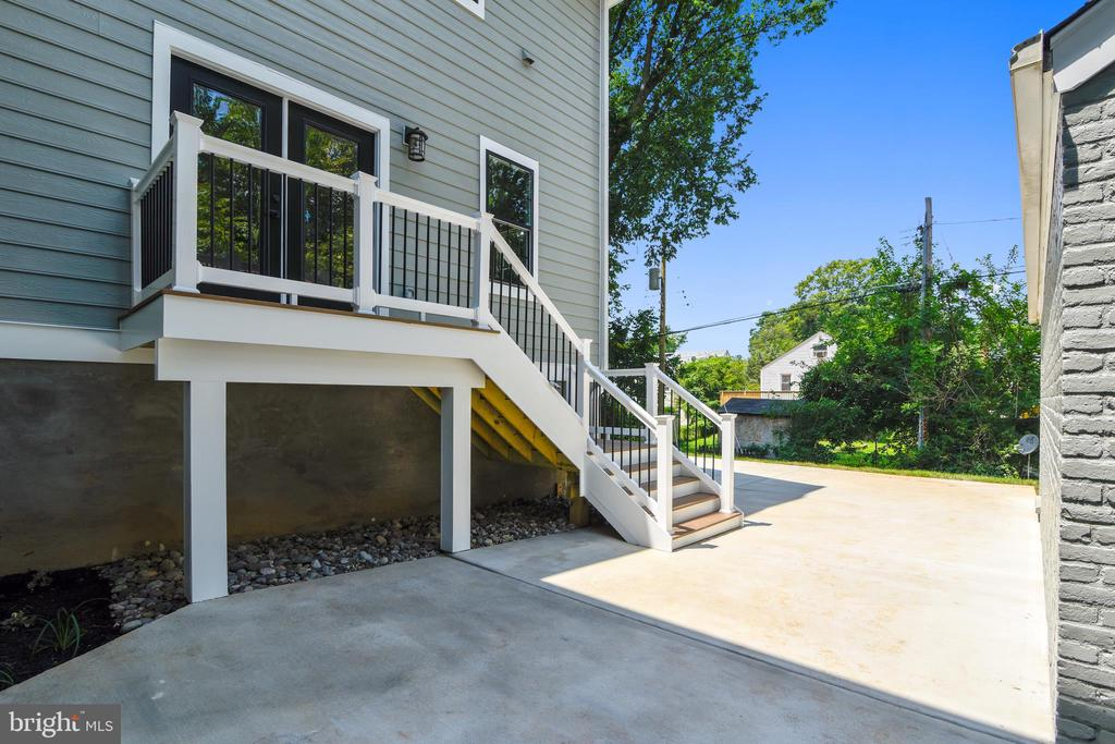 Rear Patio and Deck - 2902 LINDEN LN, FALLS CHURCH
