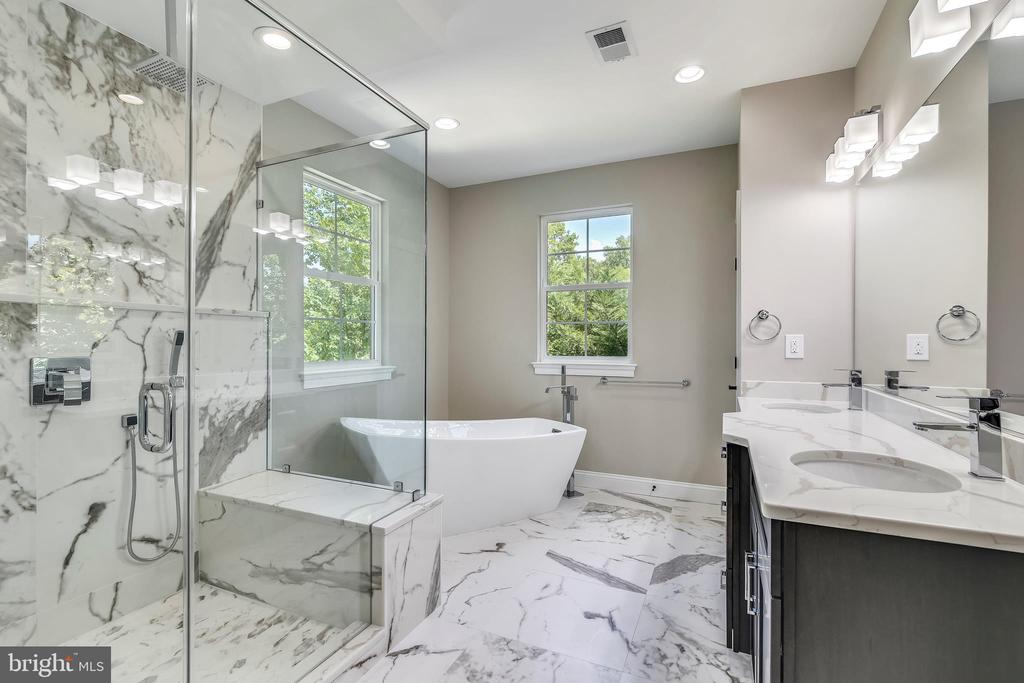 Master Bath - 2902 LINDEN LN, FALLS CHURCH