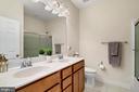 Upper Level Full Bath - 23955 MILL WHEEL PL, ALDIE