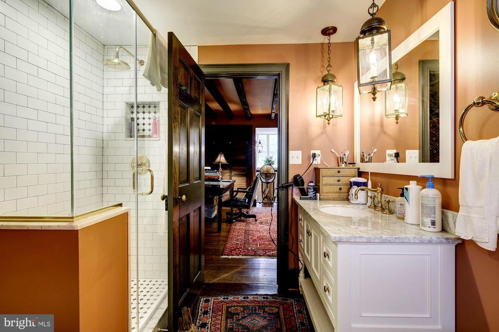 Full Bath - 3rd Floor - 13032 HIGHLAND RD, HIGHLAND