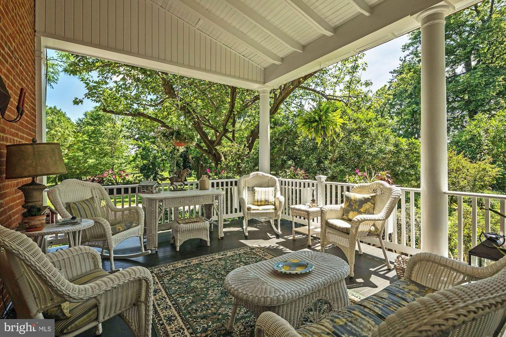 Side Porch - 13032 HIGHLAND RD, HIGHLAND