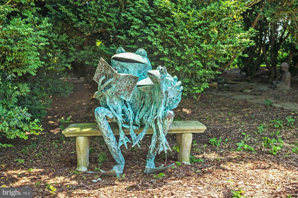 Statue near Pool - 13032 HIGHLAND RD, HIGHLAND