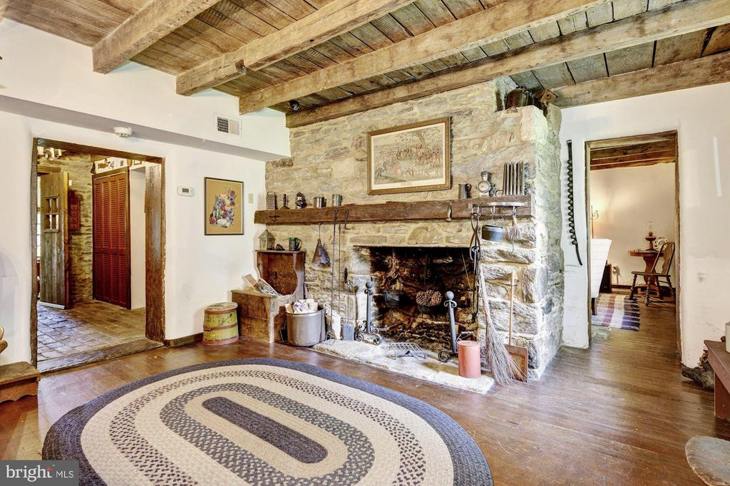 Cottage Dining Room - 13032 HIGHLAND RD, HIGHLAND