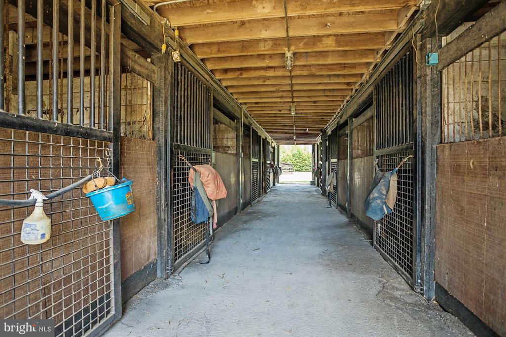 Interior - Small Barn - 13032 HIGHLAND RD, HIGHLAND