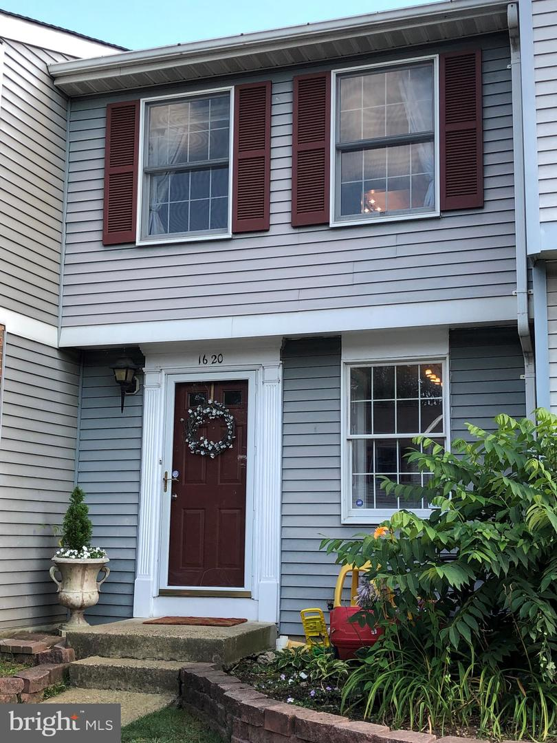 Single Family for Sale at 1620 10th St S Arlington, Virginia 22204 United States