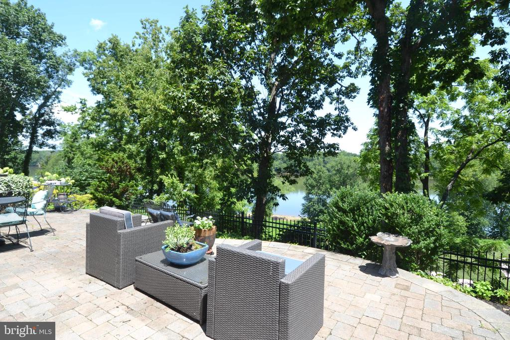 Patio view of Golf Course & River - 18318 FAIRWAY OAKS SQ, LEESBURG