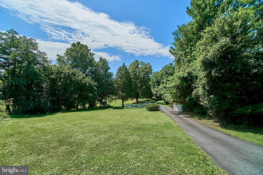 Welcome to 4 gorgeous lots! - 10231 LEESBURG PIKE, VIENNA