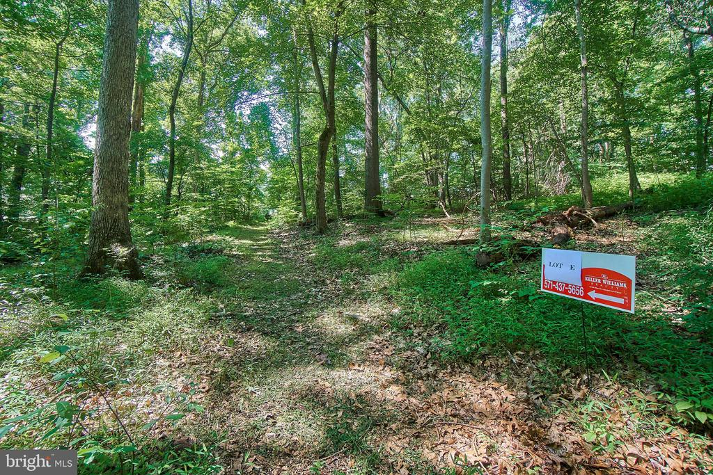 Lot E   1.71 acre - 10231 LEESBURG PIKE, VIENNA