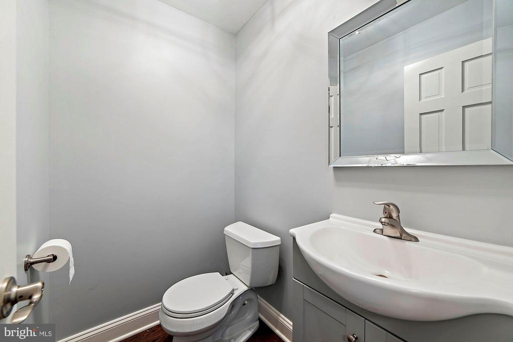Newly Renovated Powder Room - 15012 CLOVER HILL RD, WATERFORD
