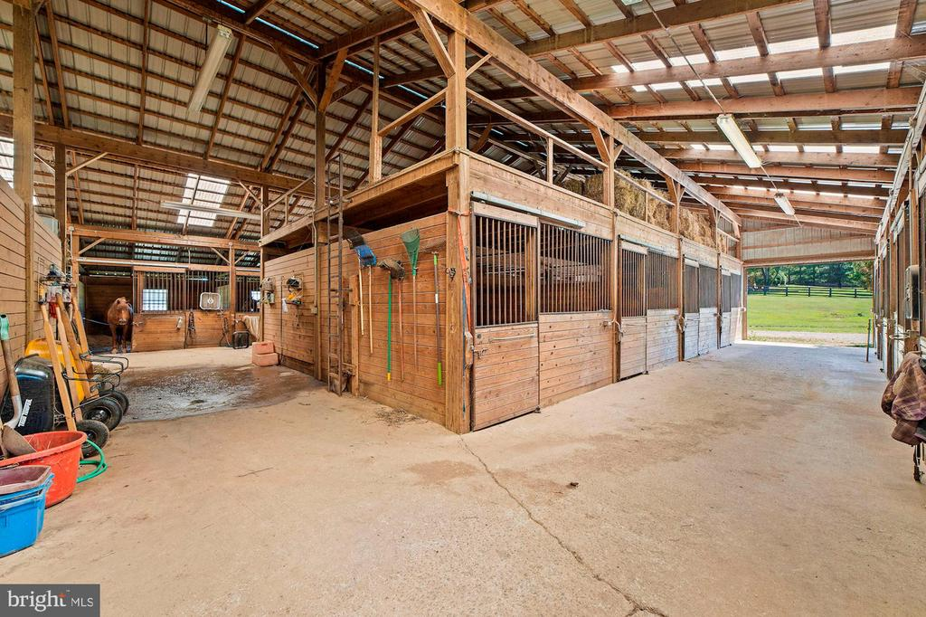 View of Barn aisle and Wash Area - 15012 CLOVER HILL RD, WATERFORD