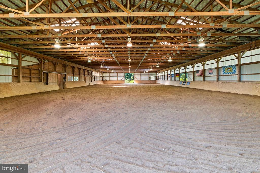 Large Indoor Area - 15012 CLOVER HILL RD, WATERFORD