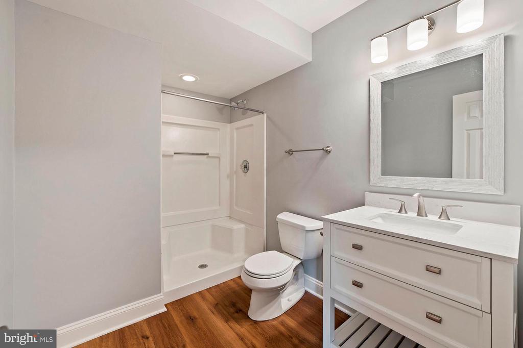 Basement Bathroom - 15012 CLOVER HILL RD, WATERFORD