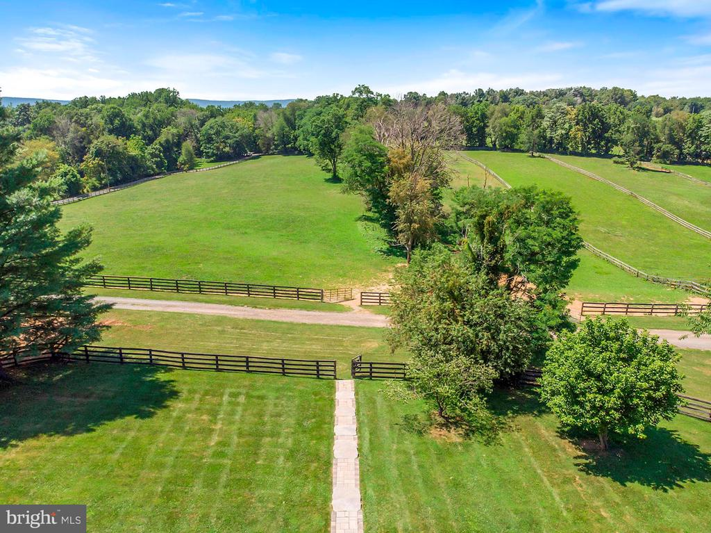 Walkway from House down to Pastures and Barn - 15012 CLOVER HILL RD, WATERFORD