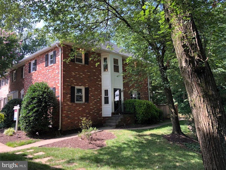 Single Family for Sale at 1818 N George Mason Dr Arlington, Virginia 22205 United States
