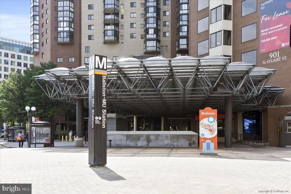And Easy Access to Ballston Metro - 1001 N RANDOLPH ST #107, ARLINGTON