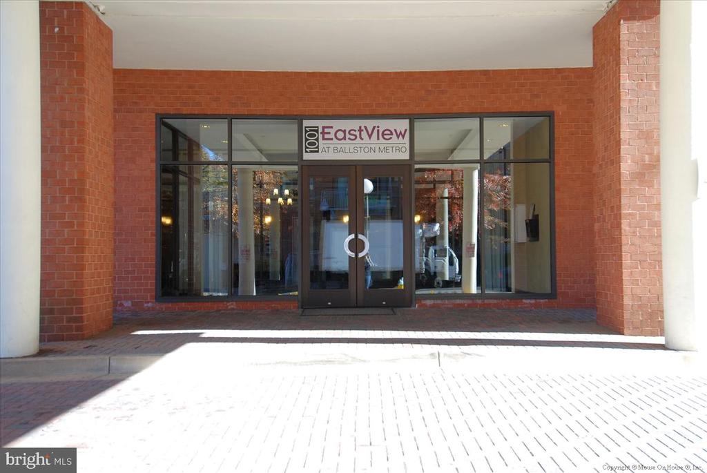 Secure Entry w/Intercom - 1001 N RANDOLPH ST #107, ARLINGTON