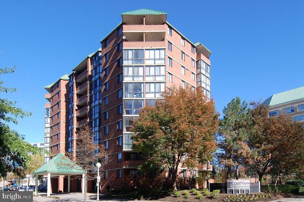 Welcome to Convenient Eastview at Ballston! - 1001 N RANDOLPH ST #107, ARLINGTON