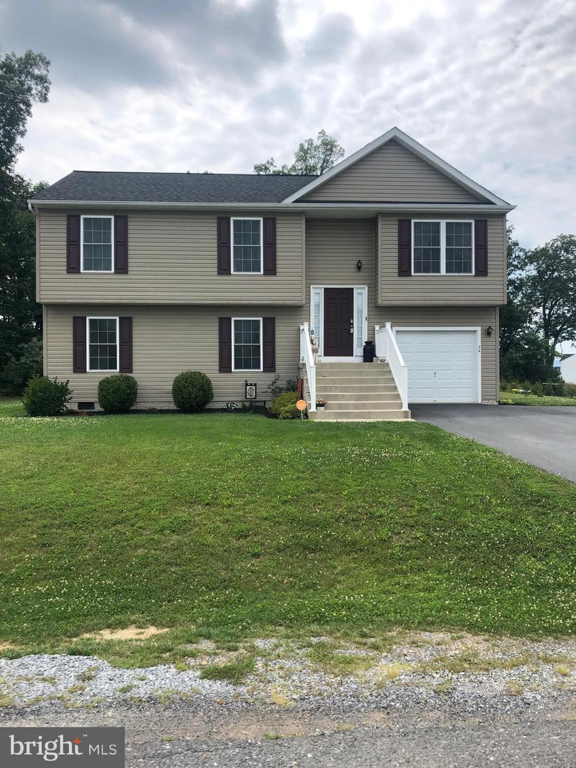 Single Family for Sale at 26 Ansted Way Martinsburg, West Virginia 25404 United States