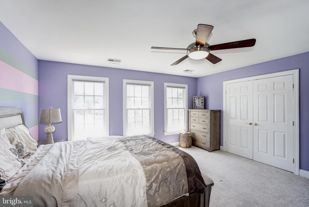 Bedroom 1- guest room(2nd floor) - 2924 FOX MILL MANOR DR, OAKTON