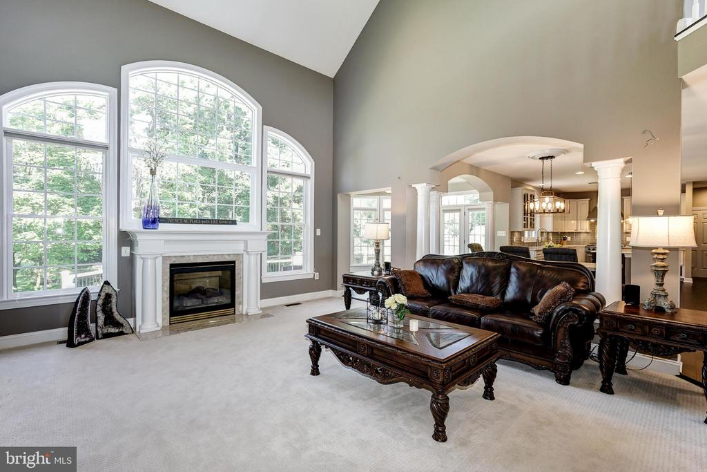 2nd living room with fireplace - 2924 FOX MILL MANOR DR, OAKTON