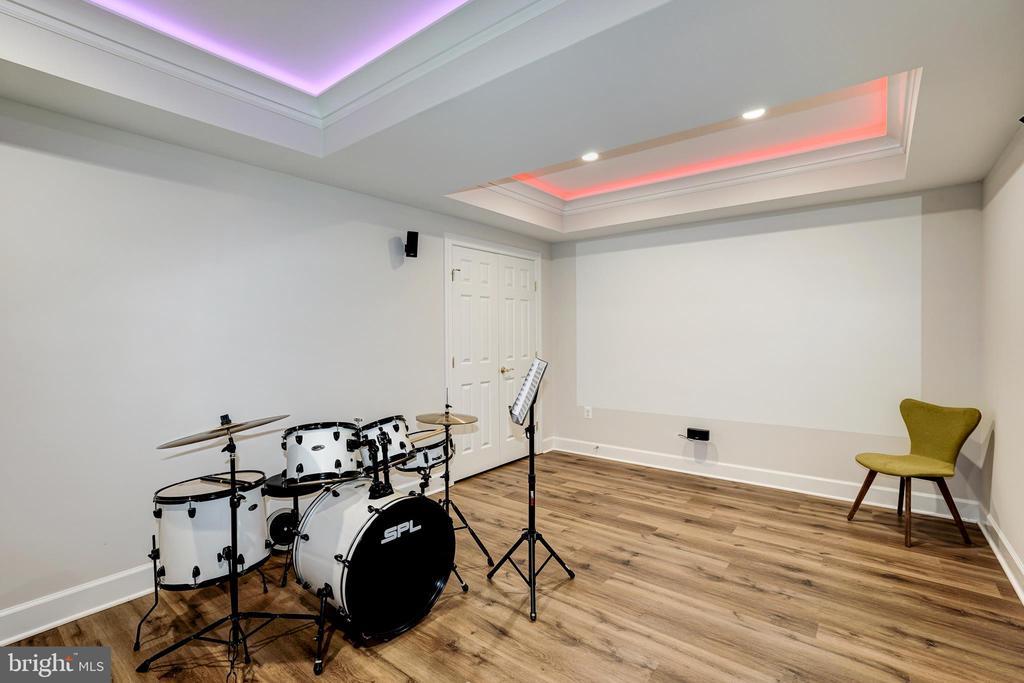 Basement music room - 2924 FOX MILL MANOR DR, OAKTON