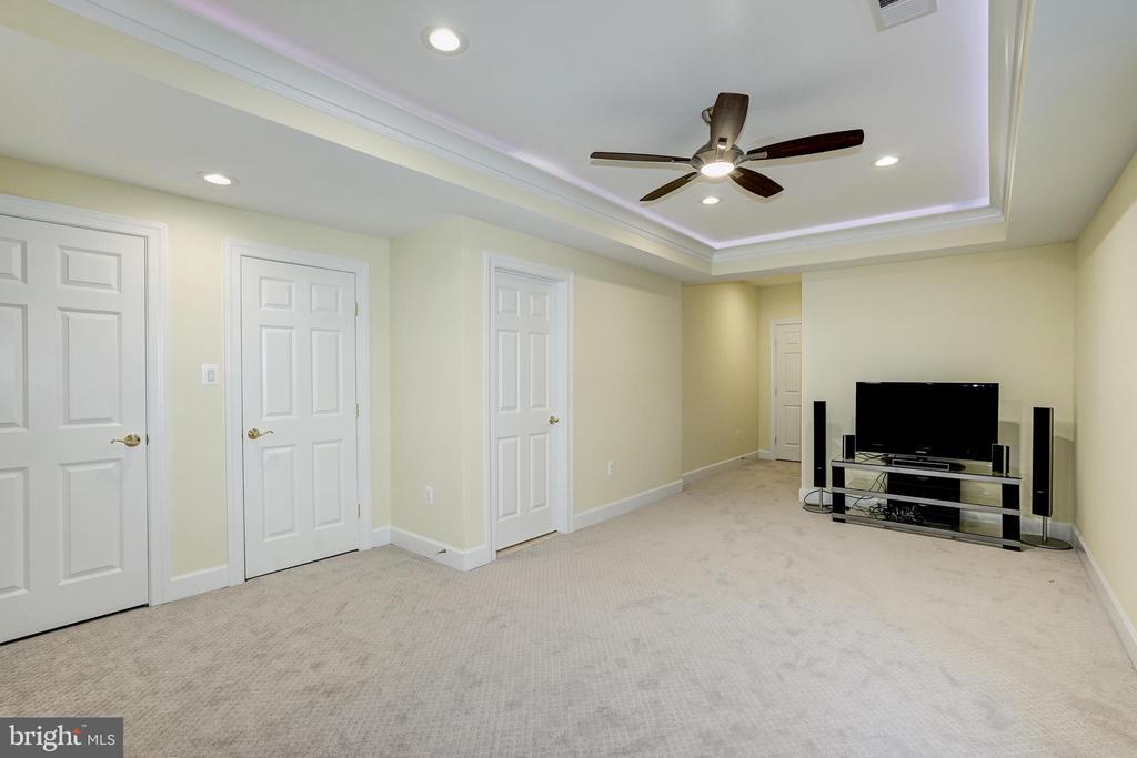 Basement bedroom 1 of 2 - 2924 FOX MILL MANOR DR, OAKTON