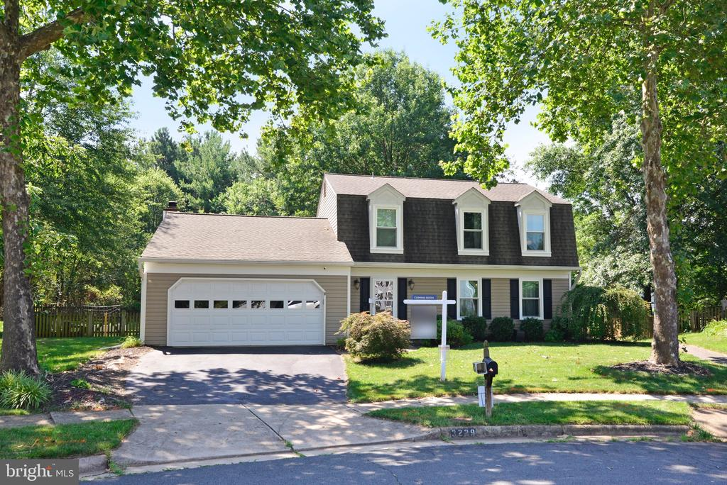 Ready for new owner! - 3229 AUTUMN HILL CT, HERNDON