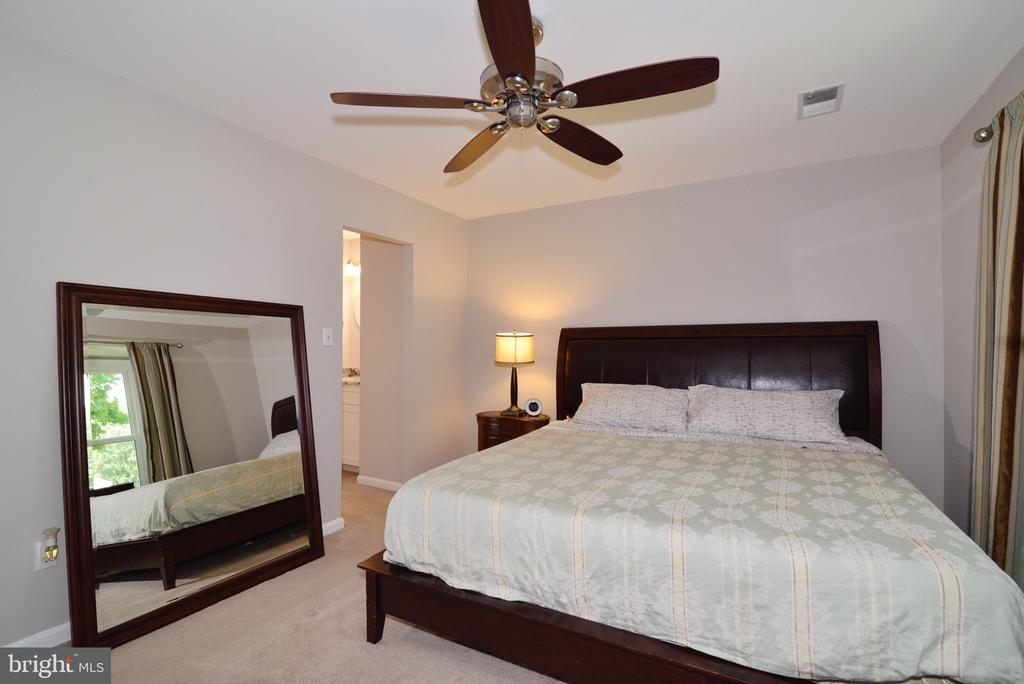 Master Bedroom - 3229 AUTUMN HILL CT, HERNDON