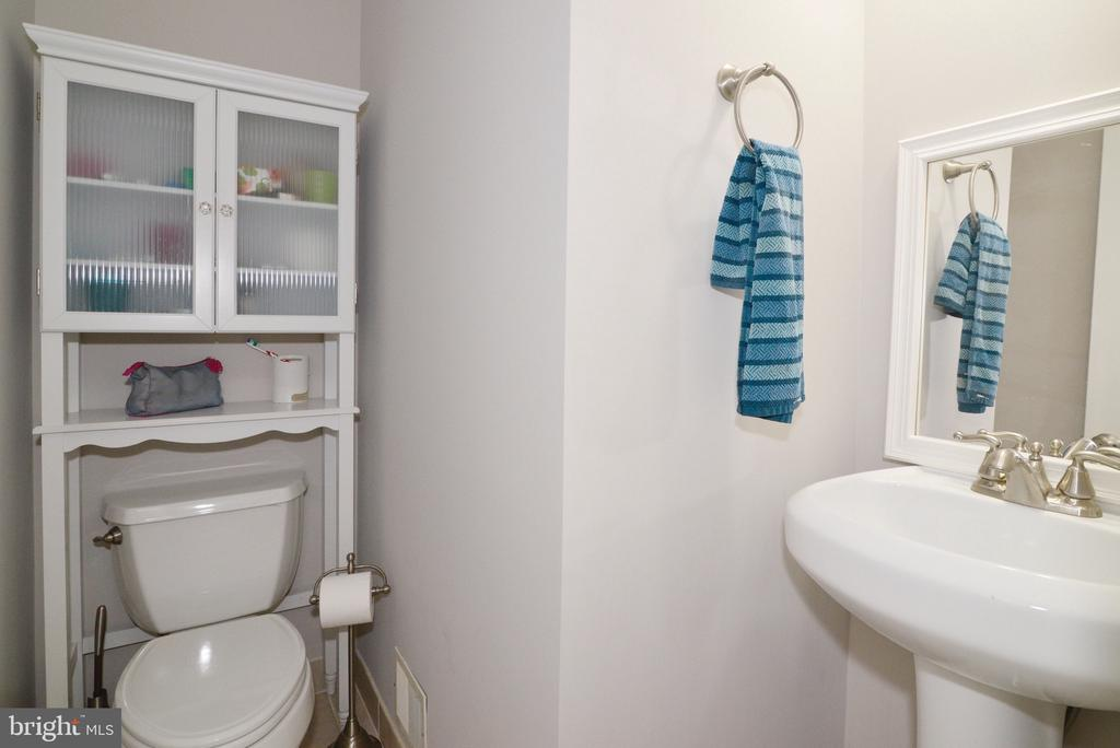 Powder Room - 3229 AUTUMN HILL CT, HERNDON
