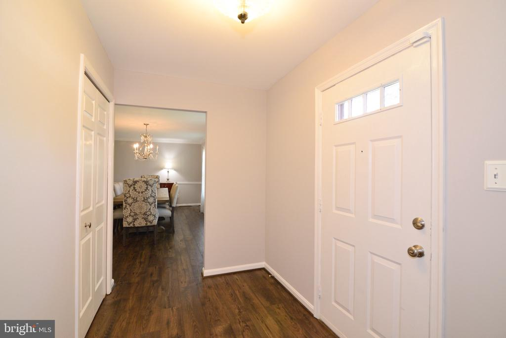 Foyer - 3229 AUTUMN HILL CT, HERNDON