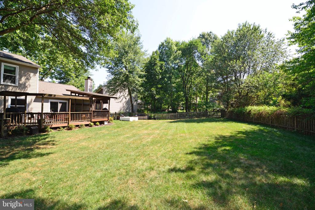Cul-de-sac AND a Yard! - 3229 AUTUMN HILL CT, HERNDON