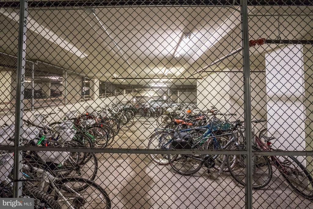 Bike storage - 888 N QUINCY ST #312, ARLINGTON