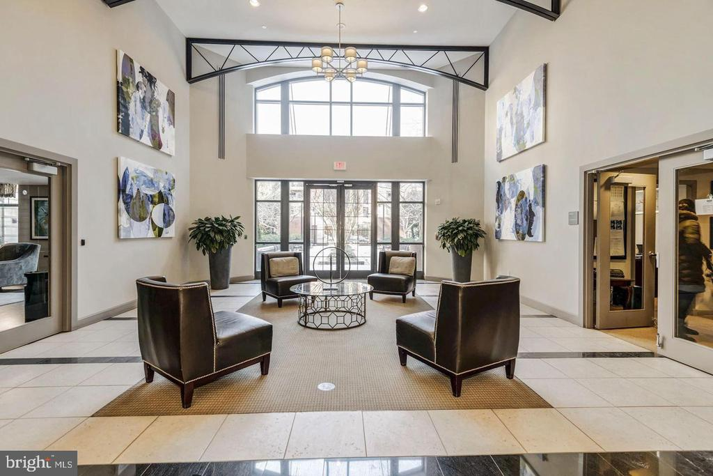 Lobby Area for Gatherings - Networking - 1021 N GARFIELD ST #118, ARLINGTON