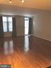 Light-filled Living Space - 1021 N GARFIELD ST #118, ARLINGTON