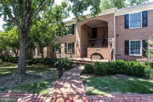 5704 BREWER HOUSE CIR #T-1-10