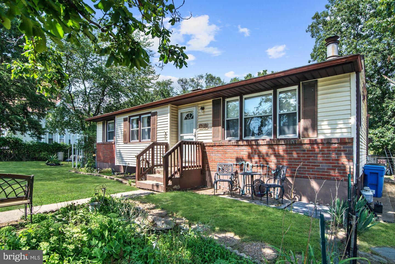 Single Family Homes para Venda às National Park, Nova Jersey 08063 Estados Unidos