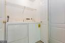 - 8021 MERRY OAKS CT, VIENNA