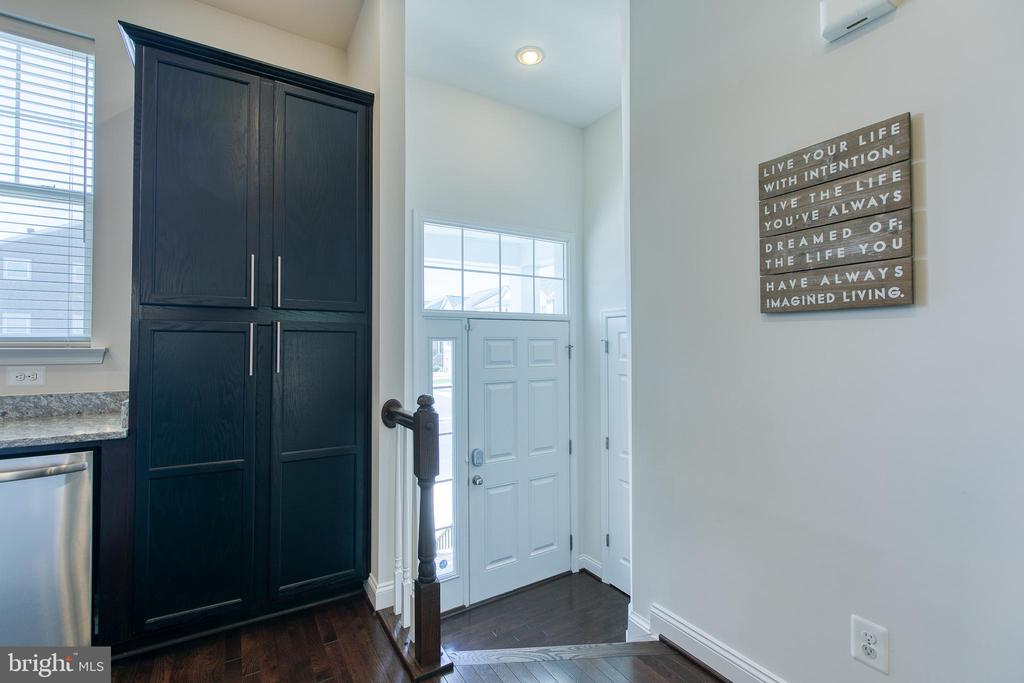 Entryway - 225 COBBLE STONE DR, WINCHESTER