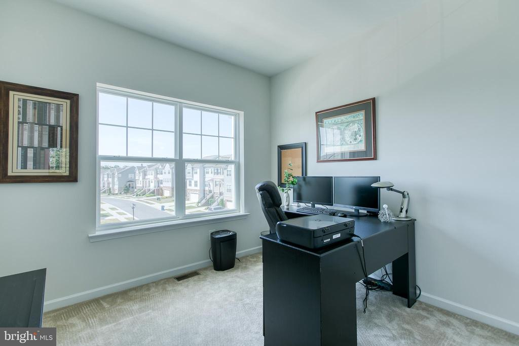3rd bedroom / Office - 225 COBBLE STONE DR, WINCHESTER