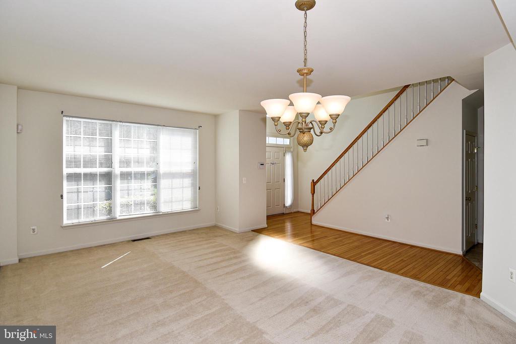 Living/dining Room - 15004 LUTZ CT, WOODBRIDGE