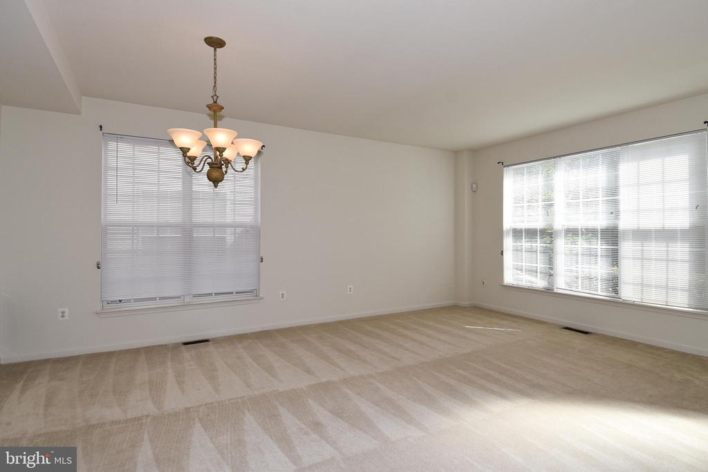 Master Bedroom - 15004 LUTZ CT, WOODBRIDGE