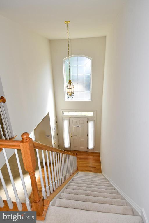 Hall View- Two Story Foyer - 15004 LUTZ CT, WOODBRIDGE